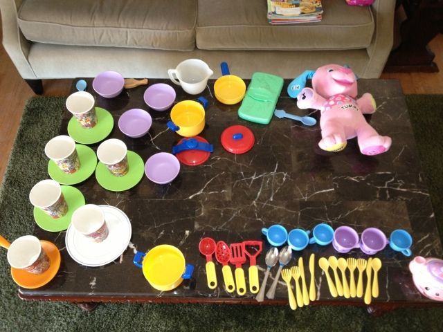 Toddler Coffeetable Picnic